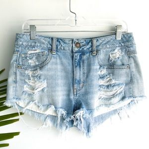 AMERICAN EAGLE | high rise destroyed denim shorts